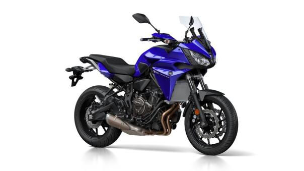 2016-Yamaha-MT07TR-EU-Yamaha-Blue-Studio-001
